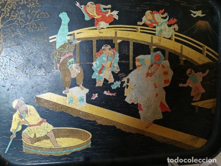 Antigüedades: INTERESANTE BANDEJA ORIENTAL. PAPEL MACHE. PAPIER. NIÑOS PESCANDO Y CORRIENDO. PERFECTA. S. XIX - Foto 5 - 127682103