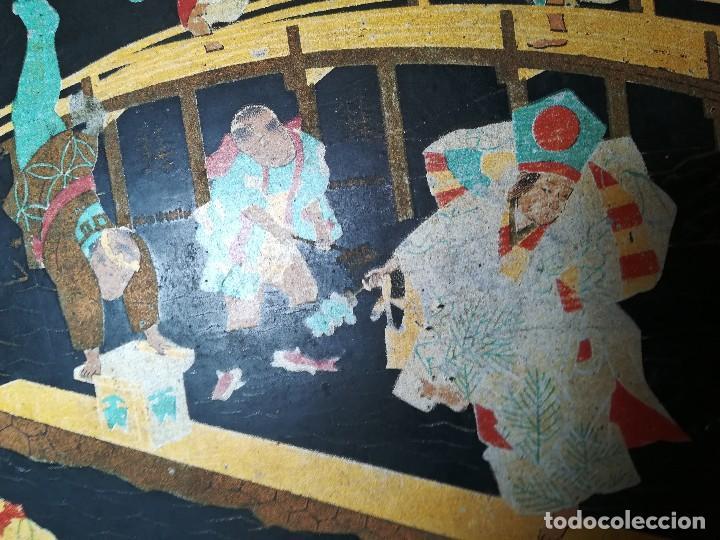 Antigüedades: INTERESANTE BANDEJA ORIENTAL. PAPEL MACHE. PAPIER. NIÑOS PESCANDO Y CORRIENDO. PERFECTA. S. XIX - Foto 6 - 127682103