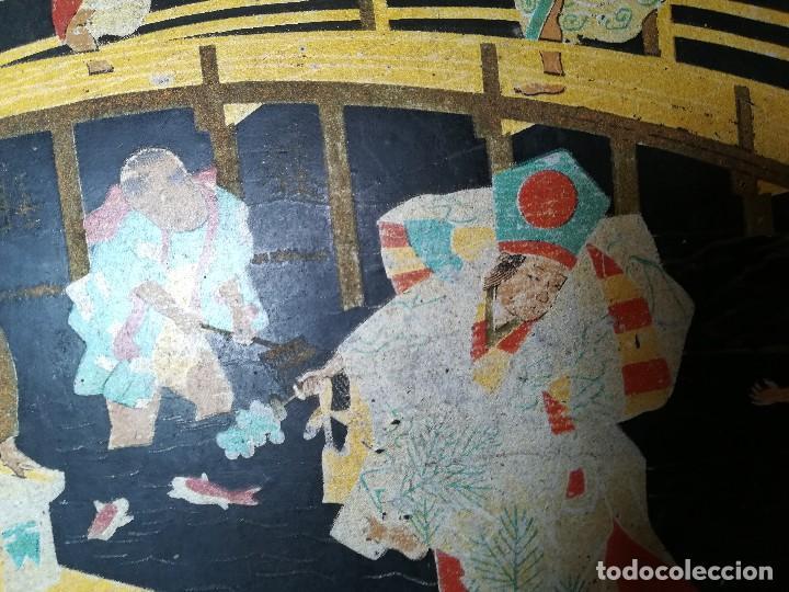 Antigüedades: INTERESANTE BANDEJA ORIENTAL. PAPEL MACHE. PAPIER. NIÑOS PESCANDO Y CORRIENDO. PERFECTA. S. XIX - Foto 10 - 127682103