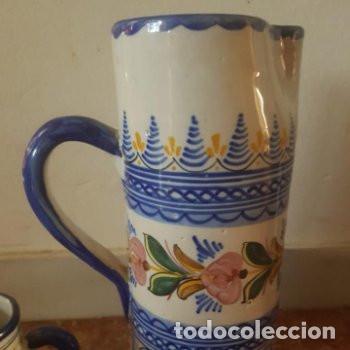 Antigüedades: Conjunto jarra y vasos de vino hechas y pintadas a mano Puente del Arzobispo con firma en base - Foto 2 - 127790743