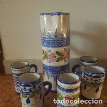 CONJUNTO JARRA Y VASOS DE VINO HECHAS Y PINTADAS A MANO PUENTE DEL ARZOBISPO CON FIRMA EN BASE (Antigüedades - Porcelanas y Cerámicas - Puente del Arzobispo )