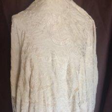 Antigüedades: MANTON MANILA ISABELINO COLOR MARFIL SIGLO XLX. Lote 127820807