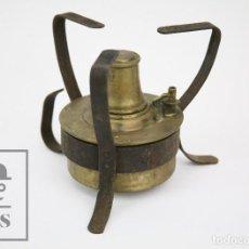 Antigüedades: ANTIGUO HORNILLO PORTÁTIL DE LATÓN Y HIERRO - CYP / C Y P - MEDIDAS 17 X 17 X 14 CM. Lote 127836331