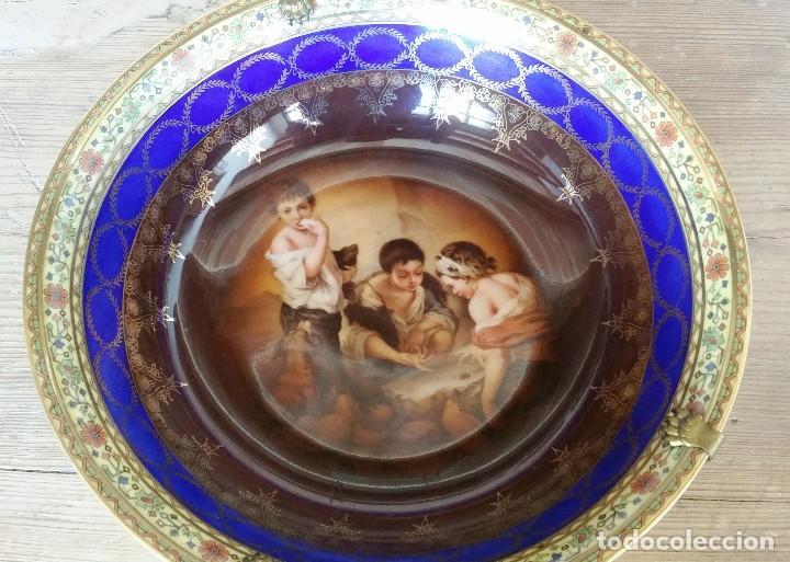 PLATO HONDO DE PORCELANA (Antigüedades - Porcelanas y Cerámicas - Otras)