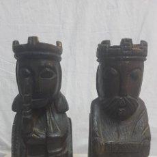 Antigüedades: 2 SUJETALIBROS TALLA MADERA. Lote 127917039
