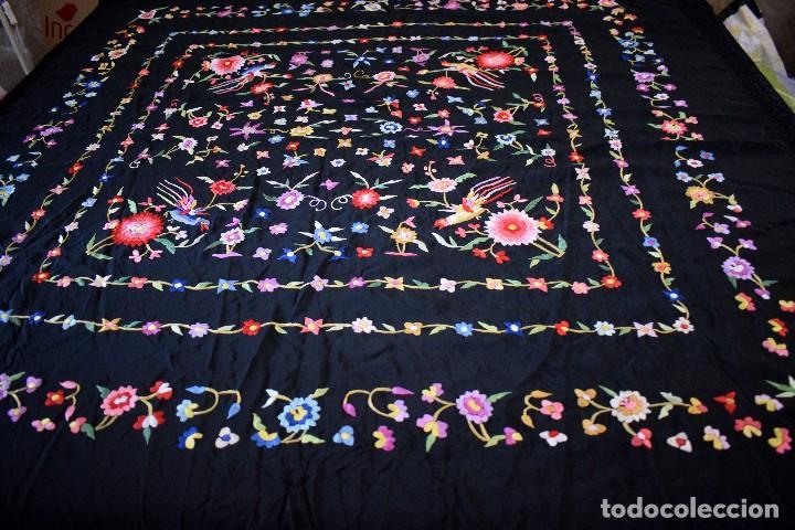 Antigüedades: mantón español antiguo. Bordado en España - Foto 5 - 127932207