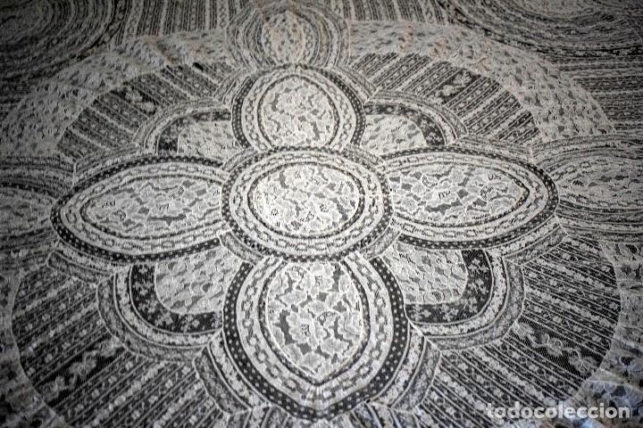 Antigüedades: Colcha antigua encaje valenciennes y alençon modernismo / art decó novia. compatible cama 150 - Foto 9 - 127933551