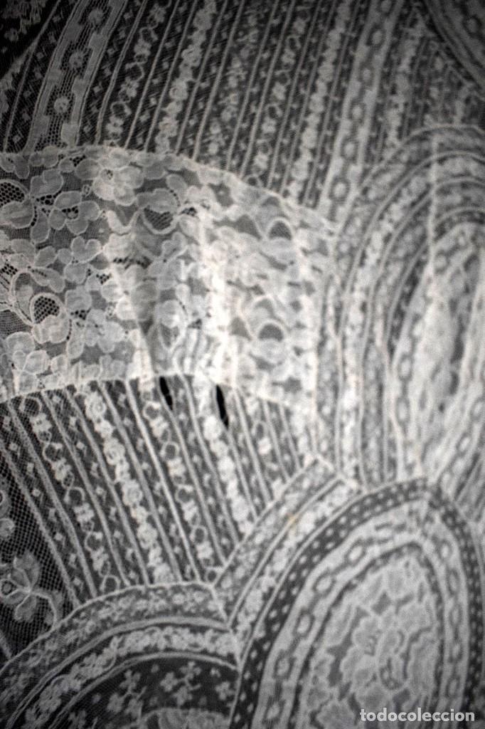 Antigüedades: Colcha antigua encaje valenciennes y alençon modernismo / art decó novia. compatible cama 150 - Foto 13 - 127933551