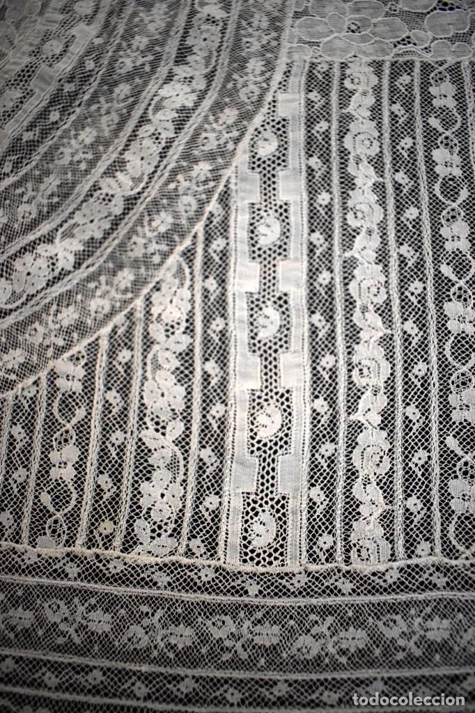 Antigüedades: Colcha antigua encaje valenciennes y alençon modernismo / art decó novia. compatible cama 150 - Foto 18 - 127933551