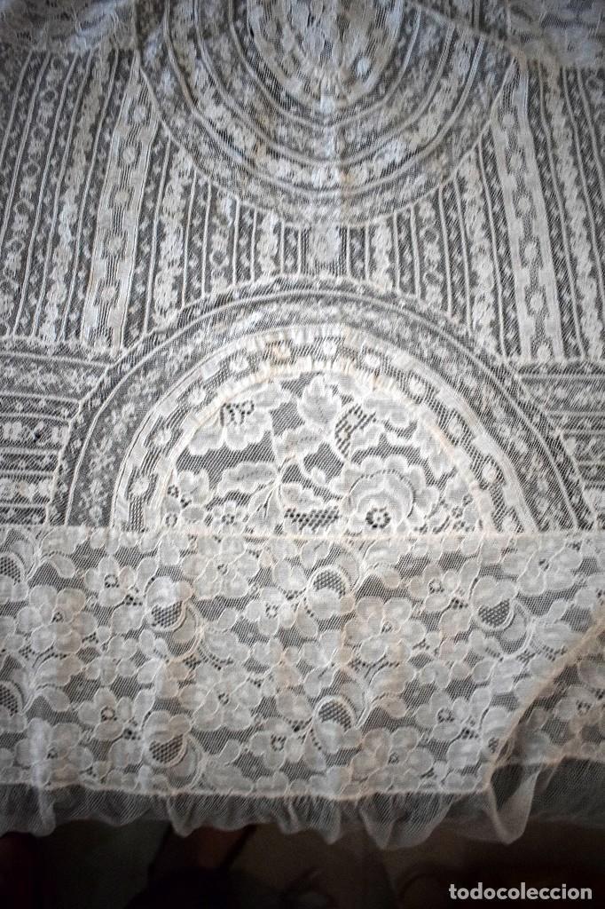 Antigüedades: Colcha antigua encaje valenciennes y alençon modernismo / art decó novia. compatible cama 150 - Foto 26 - 127933551
