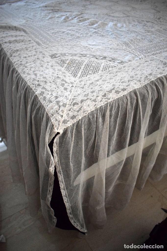 Antigüedades: Colcha antigua encaje valenciennes y alençon modernismo / art decó novia. compatible cama 150 - Foto 29 - 127933551