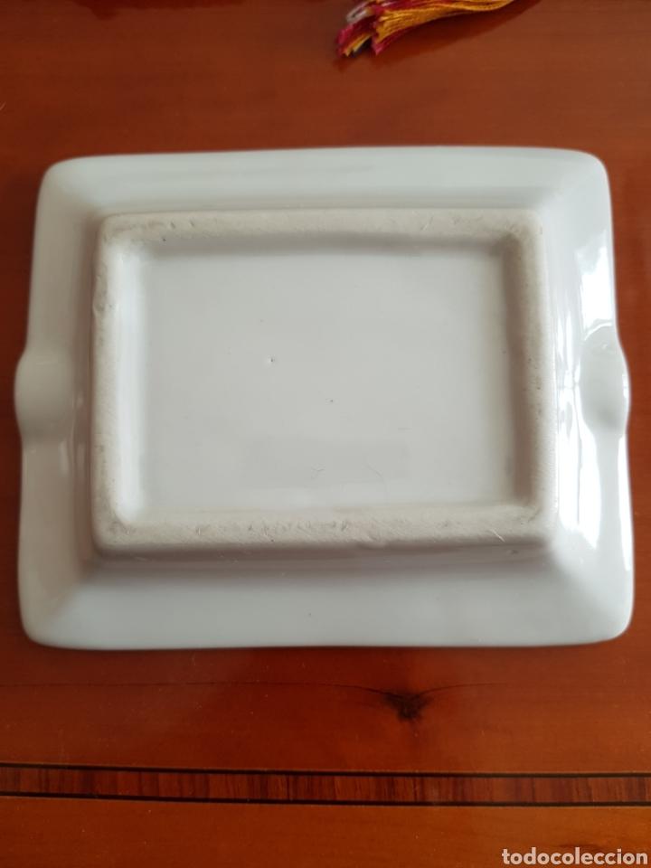 Antigüedades: Antiguo cenicero de cerámica tamaño pequeño. - Foto 2 - 127949358