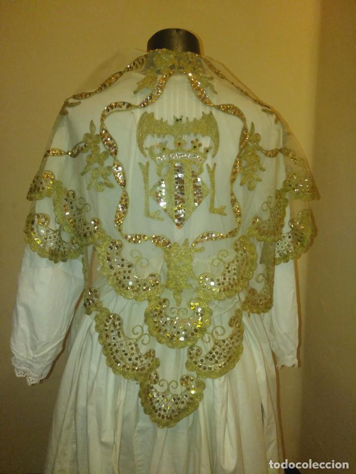 Antigüedades: Precioso conjunto de manteleta y delantal de indumentaria tradicional valenciana - Foto 10 - 127979439