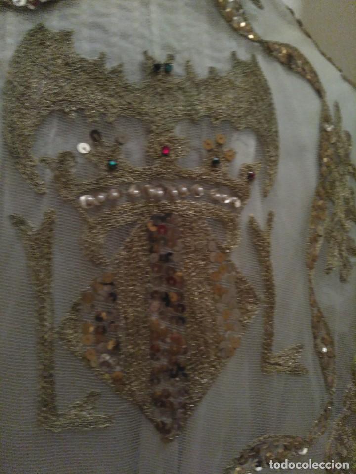 Antigüedades: Precioso conjunto de manteleta y delantal de indumentaria tradicional valenciana - Foto 11 - 127979439