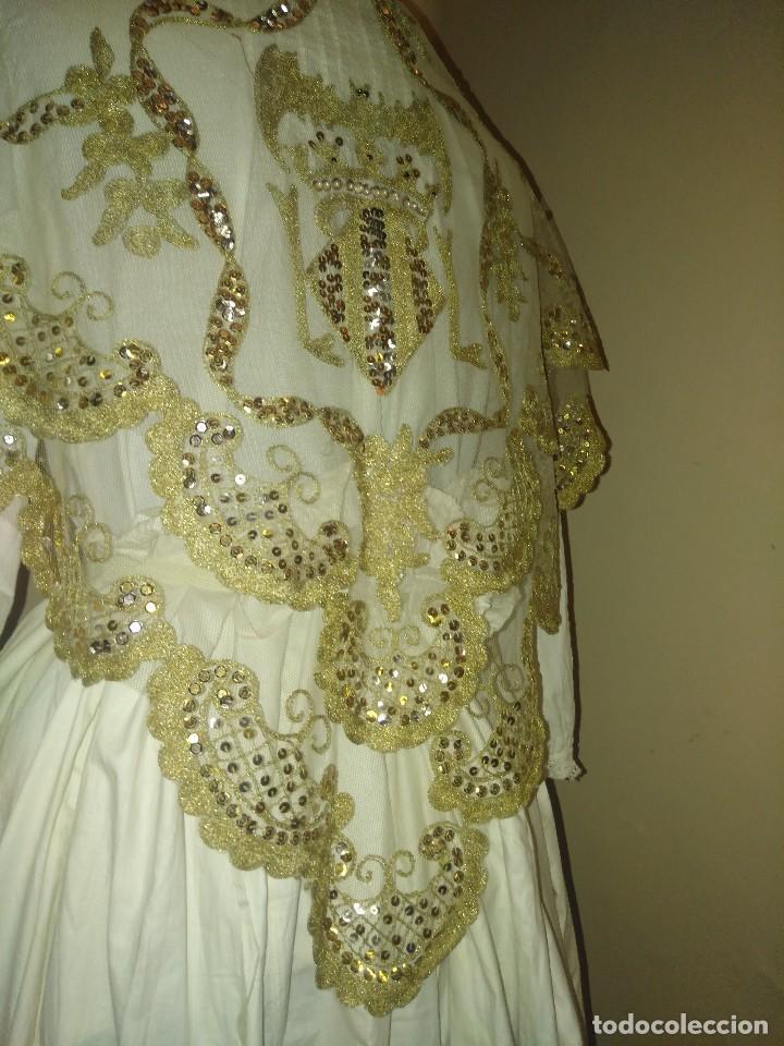 Antigüedades: Precioso conjunto de manteleta y delantal de indumentaria tradicional valenciana - Foto 14 - 127979439
