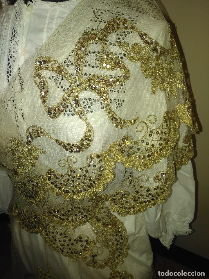 Antigüedades: Precioso conjunto de manteleta y delantal de indumentaria tradicional valenciana - Foto 15 - 127979439
