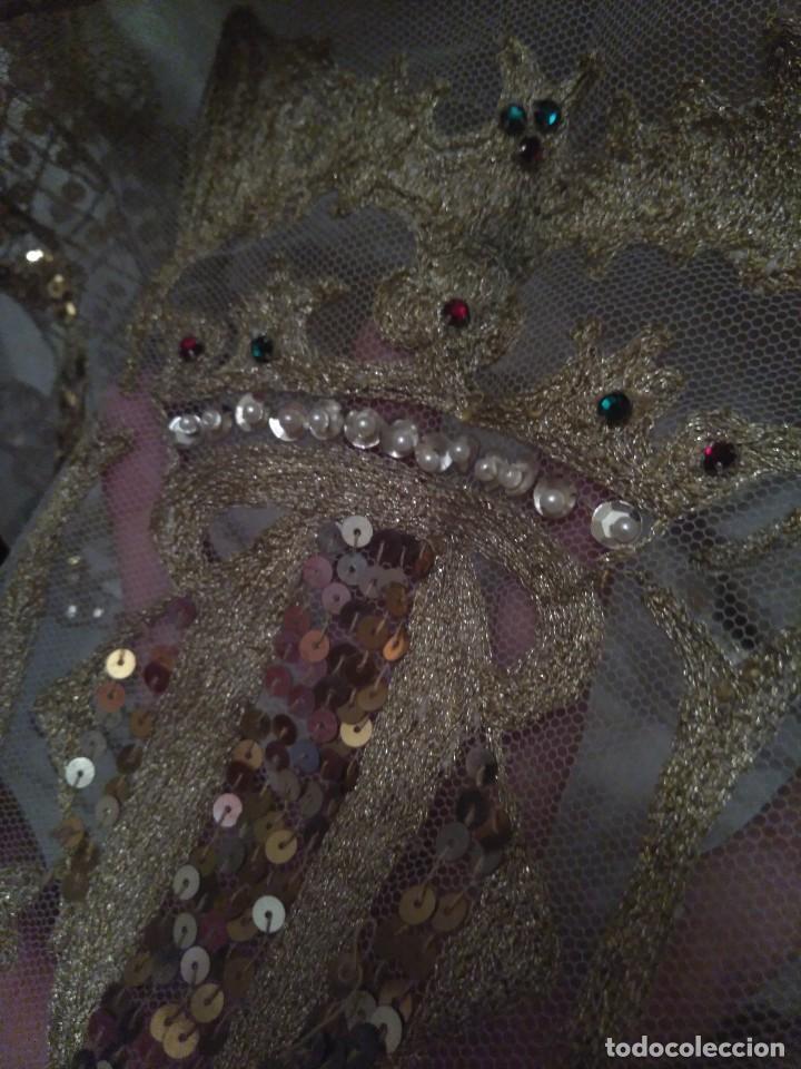 Antigüedades: Precioso conjunto de manteleta y delantal de indumentaria tradicional valenciana - Foto 17 - 127979439