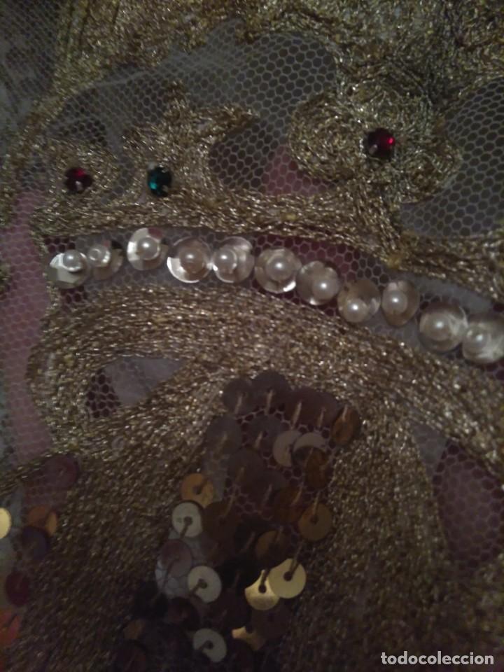 Antigüedades: Precioso conjunto de manteleta y delantal de indumentaria tradicional valenciana - Foto 18 - 127979439