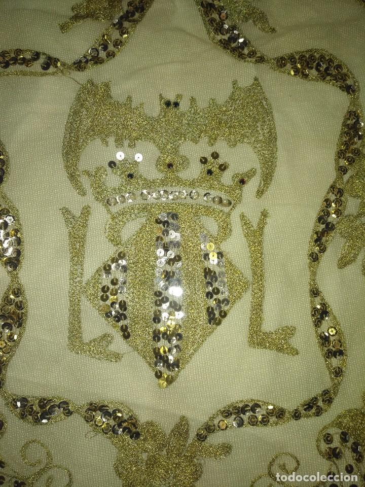 Antigüedades: Precioso conjunto de manteleta y delantal de indumentaria tradicional valenciana - Foto 25 - 127979439