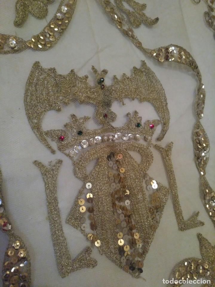 Antigüedades: Precioso conjunto de manteleta y delantal de indumentaria tradicional valenciana - Foto 30 - 127979439