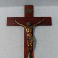 Antigüedades: CRUCIFIJO EN MADERA DE CAOBA Y CRISTO EN BRONCE. Lote 128008963