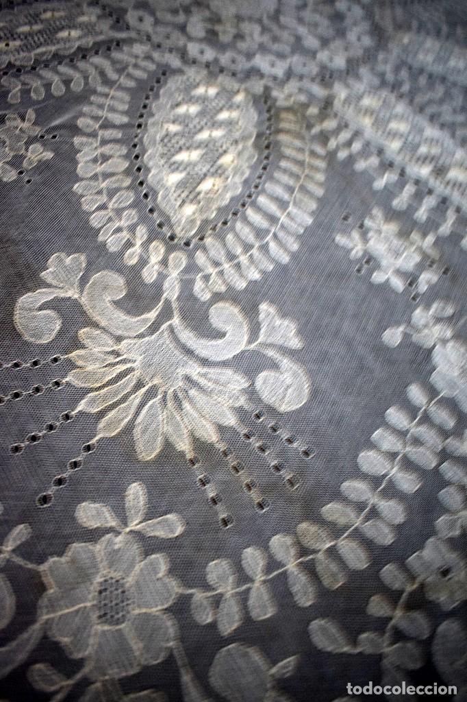 Antigüedades: Espectacular Cuadrante mesa auxiliar o manteleta encaje Granada antiguo manual en tono tostado - Foto 4 - 128061431