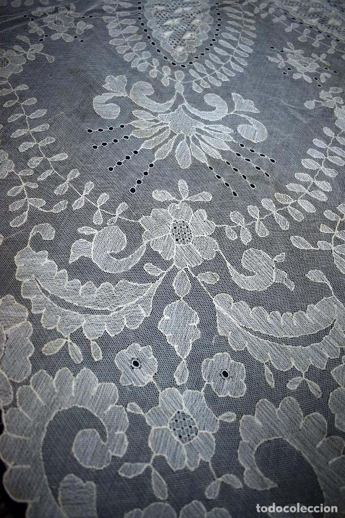 Antigüedades: Espectacular Cuadrante mesa auxiliar o manteleta encaje Granada antiguo manual en tono tostado - Foto 6 - 128061431