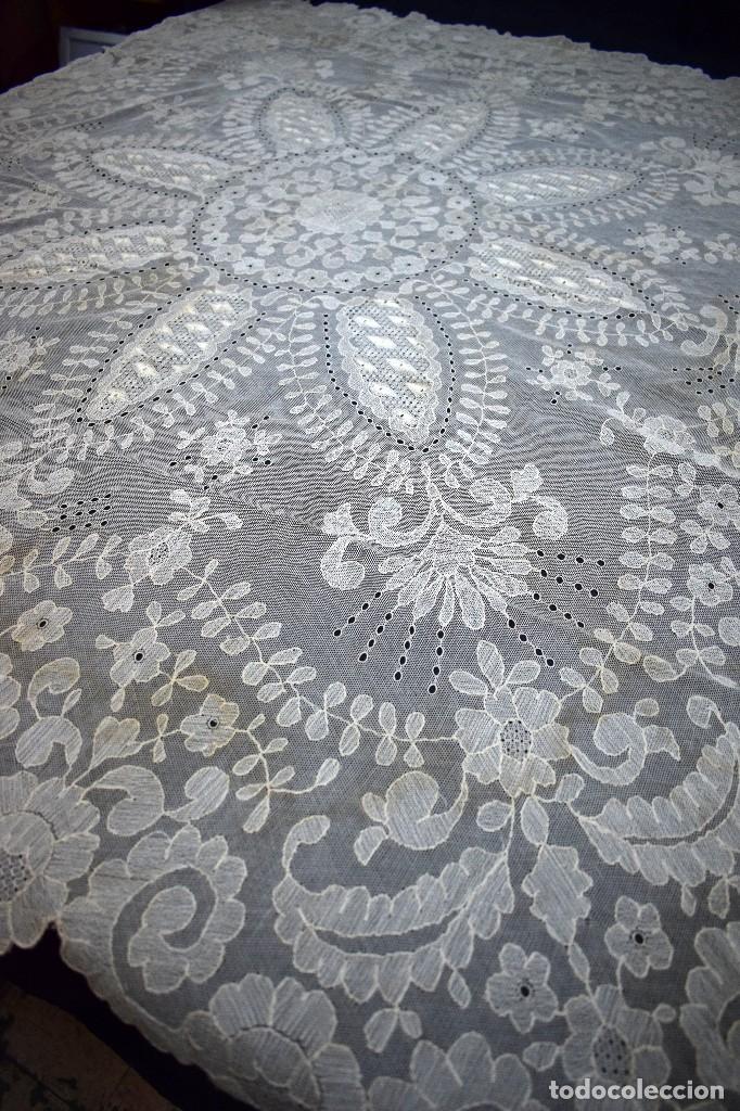 Antigüedades: Espectacular Cuadrante mesa auxiliar o manteleta encaje Granada antiguo manual en tono tostado - Foto 9 - 128061431