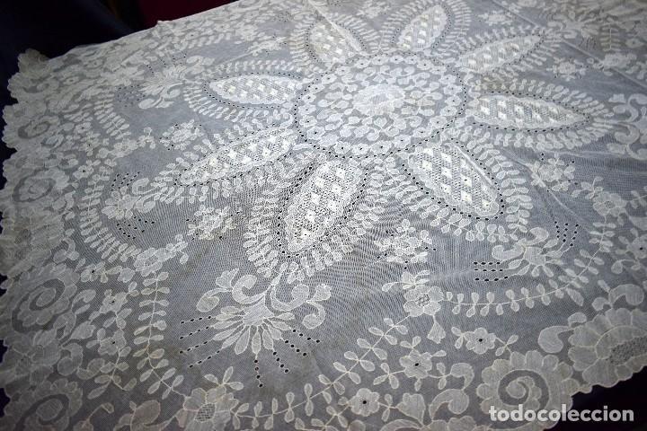 Antigüedades: Espectacular Cuadrante mesa auxiliar o manteleta encaje Granada antiguo manual en tono tostado - Foto 11 - 128061431