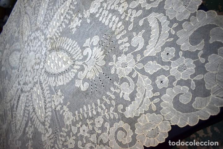 Antigüedades: Espectacular Cuadrante mesa auxiliar o manteleta encaje Granada antiguo manual en tono tostado - Foto 12 - 128061431