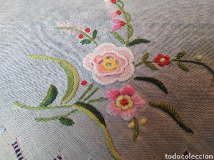 Panuelo Senora Bordado A Mano Y Flores De Croch Comprar Panuelos