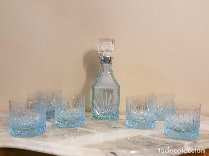 JUEGO DE LICOR Y/O WHISKY CRISTAL TALLADO (Antigüedades - Cristal y Vidrio - Otros)