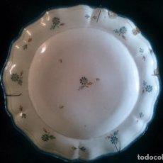 Antigüedades: PLATO DE CERÁMICA DE ALCORA S.XIX. Lote 128111179