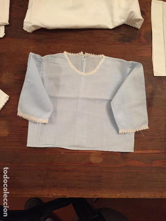 Antigüedades: Antiguas 4 pieza / piezas de ropa infantiles, 3 camisetas, 1 pañal y almohadon de bebe - Foto 5 - 128146703