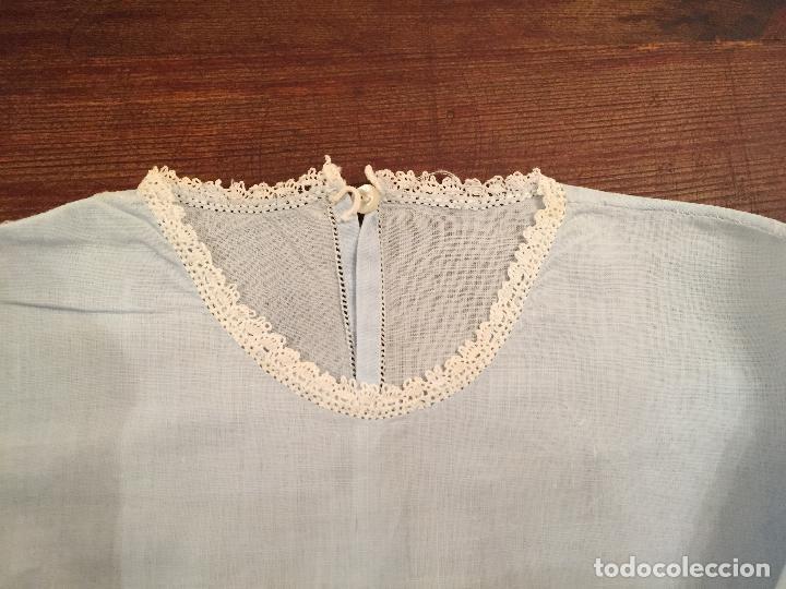 Antigüedades: Antiguas 4 pieza / piezas de ropa infantiles, 3 camisetas, 1 pañal y almohadon de bebe - Foto 7 - 128146703