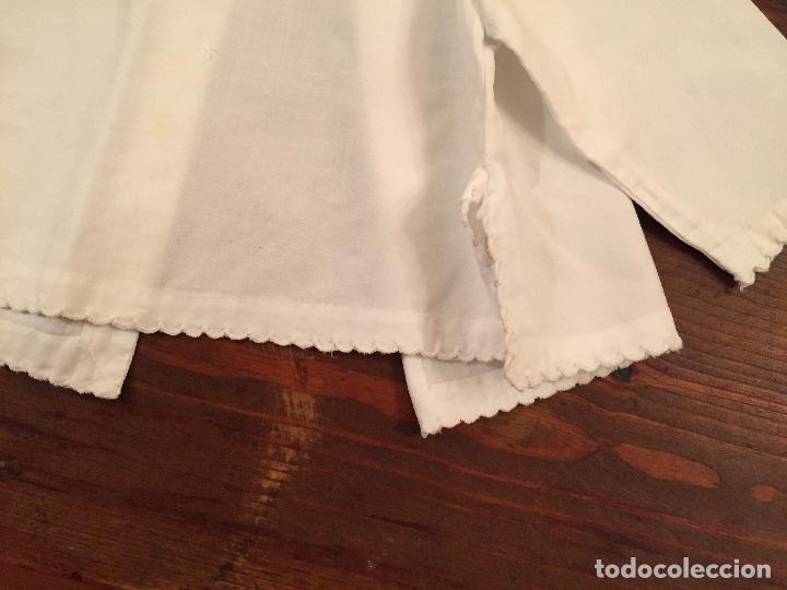 Antigüedades: Antiguas 4 pieza / piezas de ropa infantiles, 3 camisetas, 1 pañal y almohadon de bebe - Foto 9 - 128146703