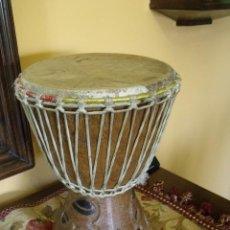Antigüedades: UN TAM-TAM AFRICANO DE MADERA EN BUEN ESTADO Y SONANDO PERFECTO Nº 1. Lote 128157767