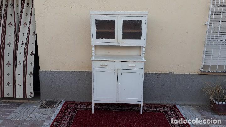 Alacena antigua color blanco. mueble de cocina - Verkauft ...