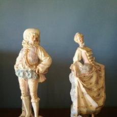 Antigüedades: PRECIOSA PAREJA DE PORCELANA DE BISCUIT. Lote 128293788