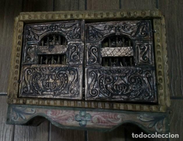 Antigüedades: BARGUEÑO MADERA CON EL ARCANGEL SAN MIGUEL - Foto 2 - 128298831