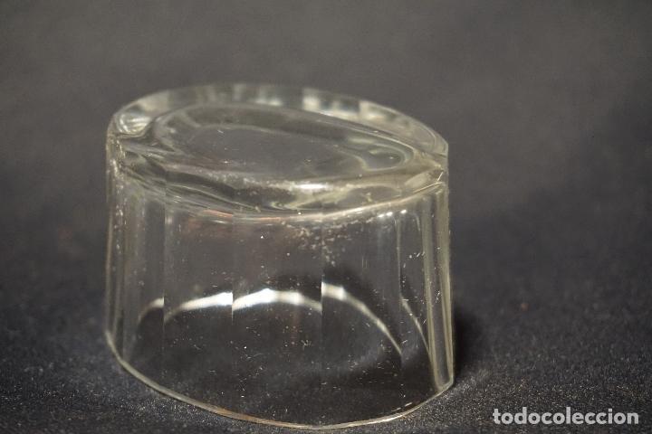 Antigüedades: Salero, especiero. Cristal tallado. Inglaterra. Siglo XIX. - Foto 4 - 128364603