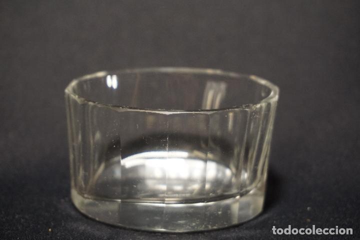 Antigüedades: Salero, especiero. Cristal tallado. Inglaterra. Siglo XIX. - Foto 5 - 128364603