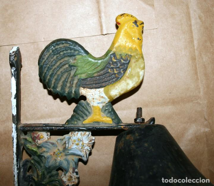 Antigüedades: Antiguo llamador de campana soporte de hierro - Foto 2 - 128378623