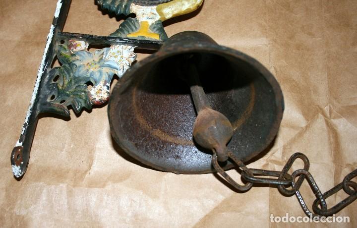Antigüedades: Antiguo llamador de campana soporte de hierro - Foto 4 - 128378623
