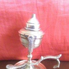 Antigüedades: ANTIGUA LAMPARA CAPUCHINA DE LATON LA MAS PEQUEÑA DE SU SERIE. Lote 128469863