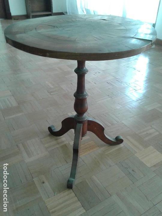 Antigüedades: MESA REDONDA DE JUEGO CON MARQUETERIA - Foto 2 - 128481783
