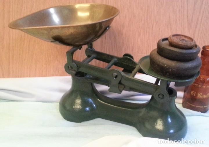 Antigüedades: Balanza británica. Completa. Con juego de pesas incluido. Emblemática balanza. - Foto 2 - 128482183