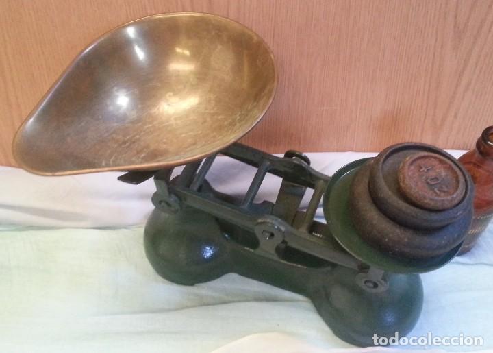 Antigüedades: Balanza británica. Completa. Con juego de pesas incluido. Emblemática balanza. - Foto 3 - 128482183