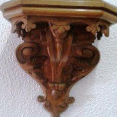 Antigüedades: MÉNSULA DE ROBLE MACIZO TALLADA. Lote 128492979