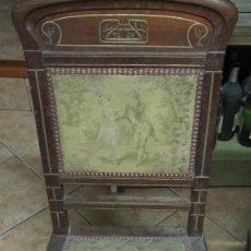 Antigüedades: PAREJA DE SILLAS DE VESTÍBULO, REALIZADAS EN MADERA DE CAOBA - THONET HERMANOS BARCELONA DEL XIX. Lote 128516223